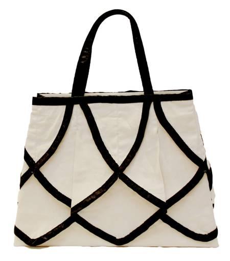 Ascot Ivory Luxury Gift Bag - Size Medium